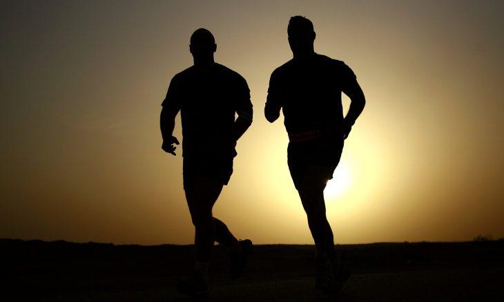 marathon training -silhouettes-